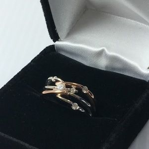 5 diamond criss cross ring